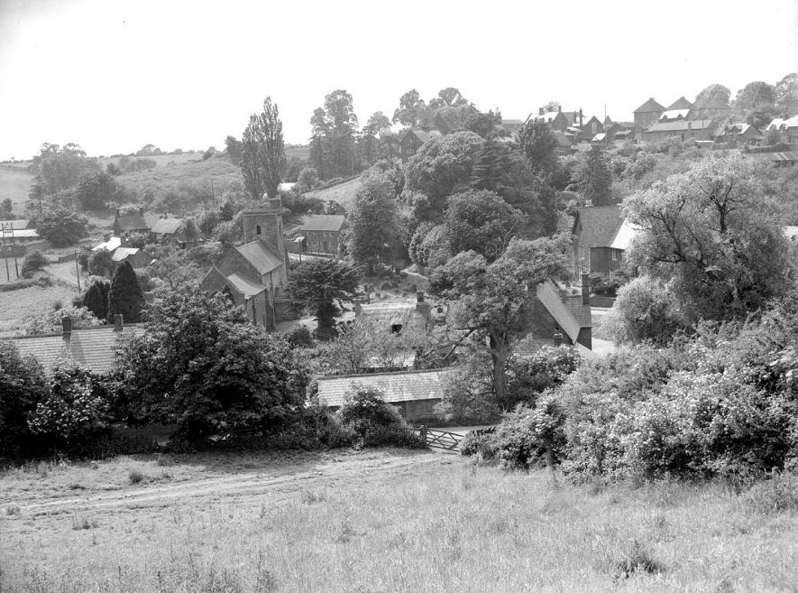 View over Ratley village.  1955 |  IMAGE LOCATION: (Warwickshire County Record Office)