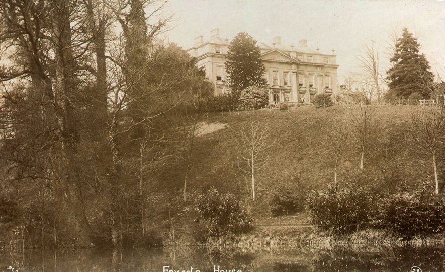 Foxcote House, Ilmington.  1910s    IMAGE LOCATION: (Warwickshire County Record Office)
