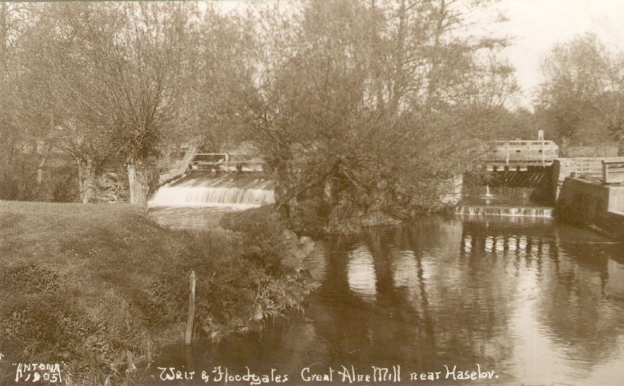The weir and floodgates at Great Alne Mill.  1900s. |  IMAGE LOCATION: (Warwickshire County Record Office)