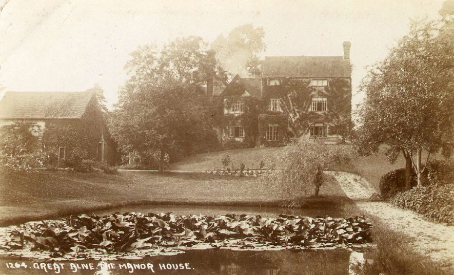 The Manor House and garden, Great Alne.  1900s |  IMAGE LOCATION: (Warwickshire County Record Office)