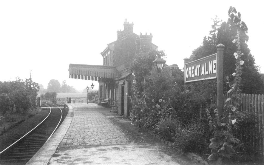 The railway station at Great Alne.  1950s |  IMAGE LOCATION: (Warwickshire County Record Office)