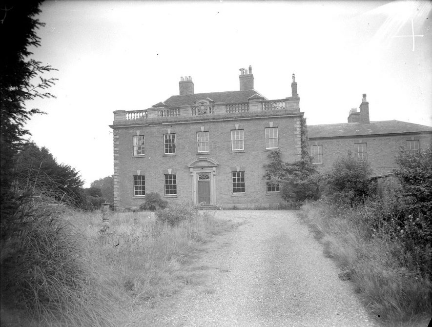 Front view of the rectory, Hampton Lucy.  September 18th 1956 |  IMAGE LOCATION: (Warwickshire County Record Office)