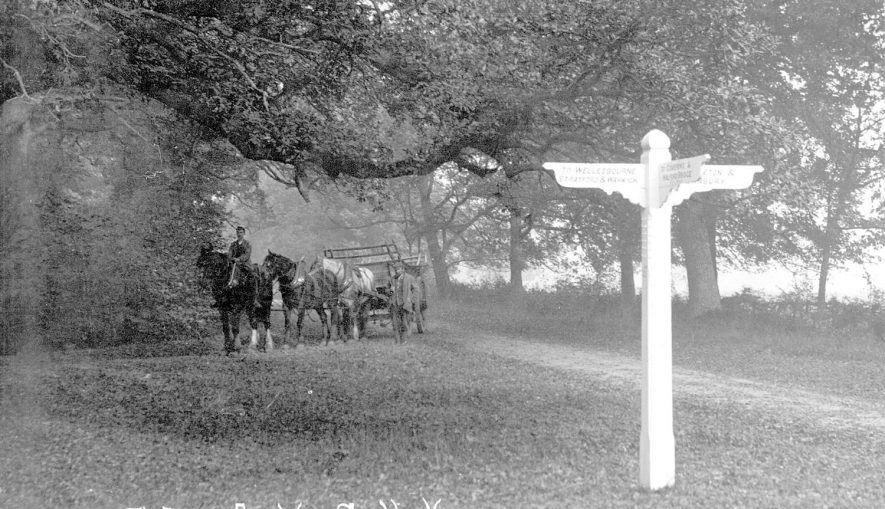 Cross roads on the Fosse Way at Compton Verney. 1910s |  IMAGE LOCATION: (Warwickshire County Record Office)