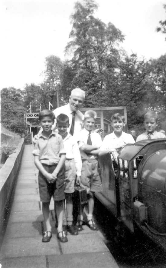 Group of children on a school outing, Gaydon.  1959    IMAGE LOCATION: (Warwickshire County Record Office)