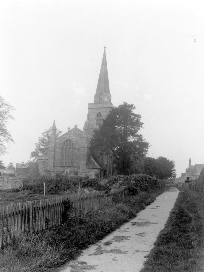 Great Wolford parish church. 1950s[This photograph almost certainly predates the eastern extension of the churchyard in 1956] |  IMAGE LOCATION: (Warwickshire County Record Office)
