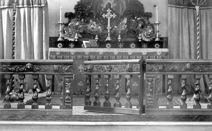 Grendon parish church altar.  1900s |  IMAGE LOCATION: (Warwickshire County Record Office)