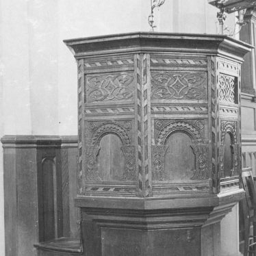 Grendon.  Church, pulpit