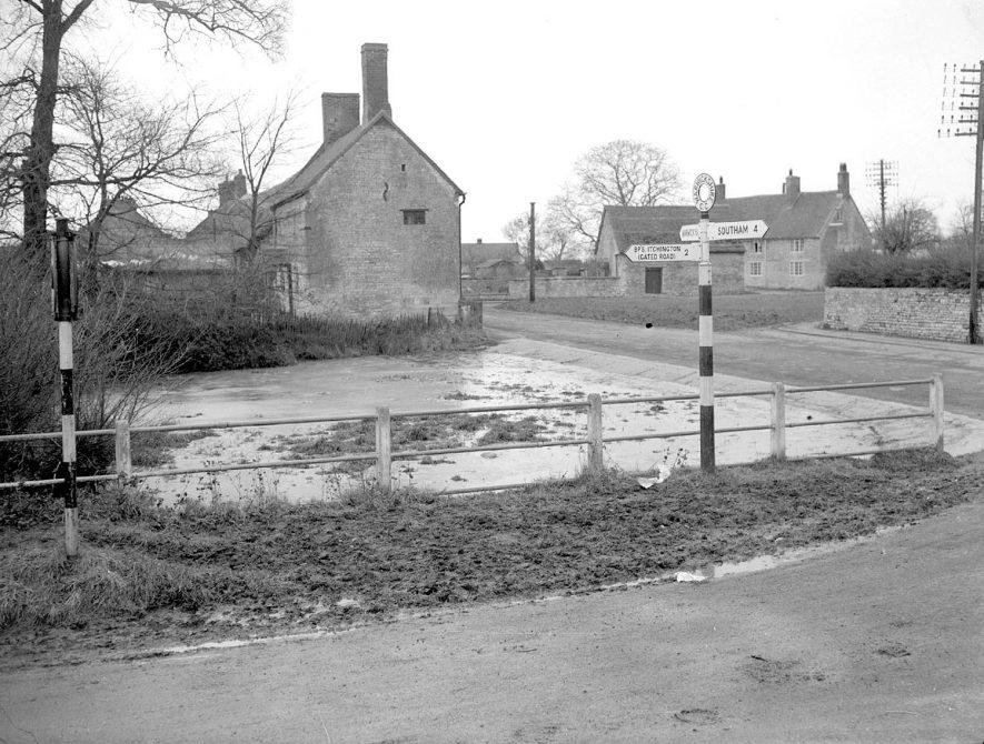 Village pond at junction of Bush Heath Lane and Park Lane, Harbury.  December 18th 1952 |  IMAGE LOCATION: (Warwickshire County Record Office)