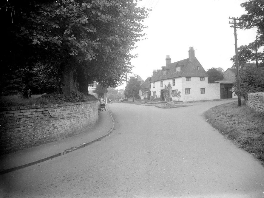 Junction of Crown Street, Dovehouse Lane and Church Street when Harbury was judged