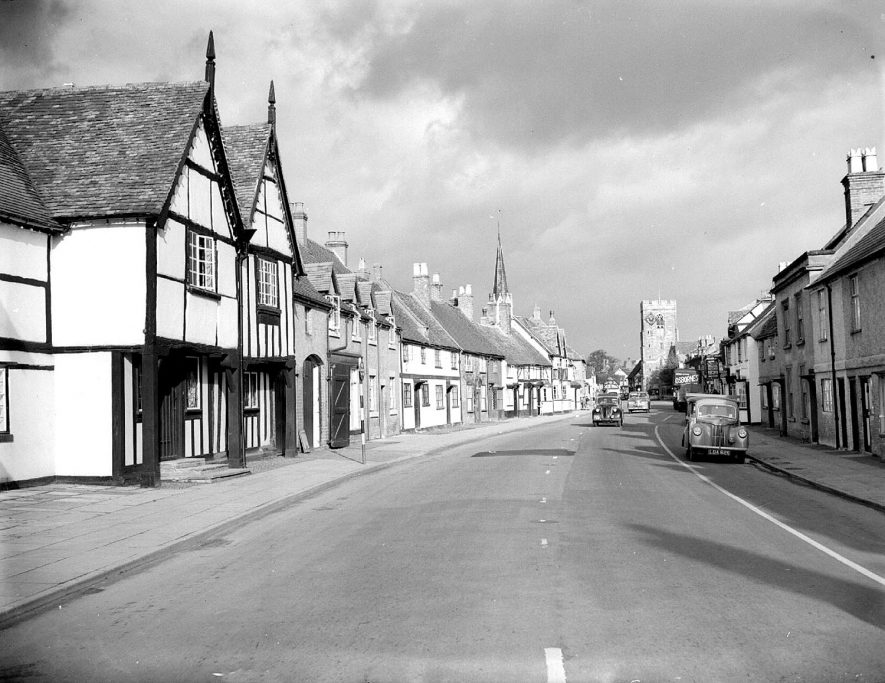 High Street, Henley in Arden, showing shops and houses.  1955 |  IMAGE LOCATION: (Warwickshire County Record Office)