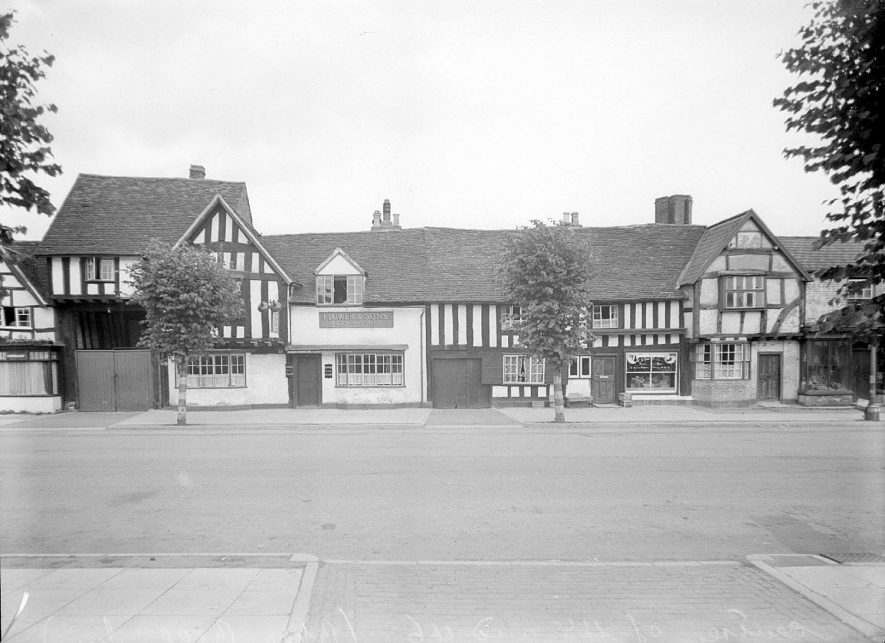 The Blue Bell Inn, Henley in Arden.  1944 |  IMAGE LOCATION: (Warwickshire County Record Office)