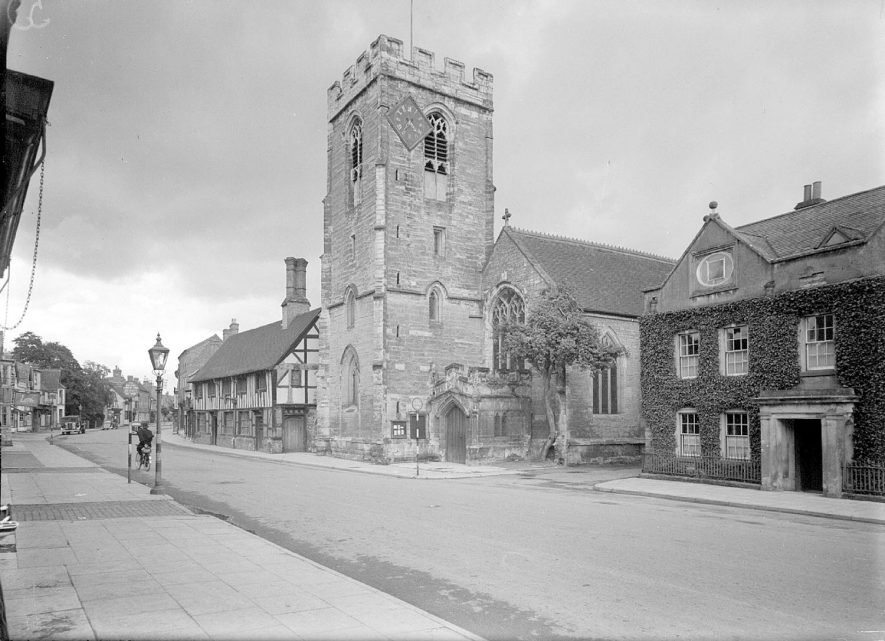 The church of St John the Baptist, Henley in Arden.  1944    IMAGE LOCATION: (Warwickshire County Record Office)