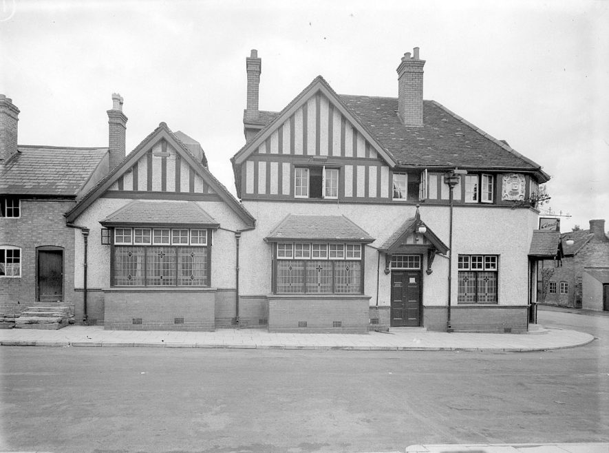 Cottages in Henley in Arden.  1944