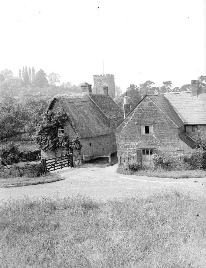 Clifford's Orchard in Ilmington.  1948 |  IMAGE LOCATION: (Warwickshire County Record Office)