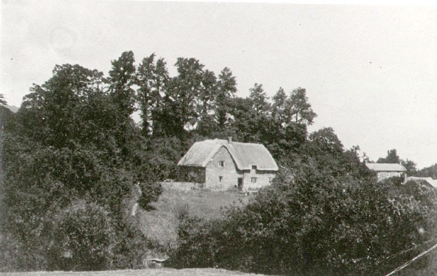 Camden Cottage and Cottage of Content, Camden Hill, Ilmington.  1920    IMAGE LOCATION: (Warwickshire County Record Office)