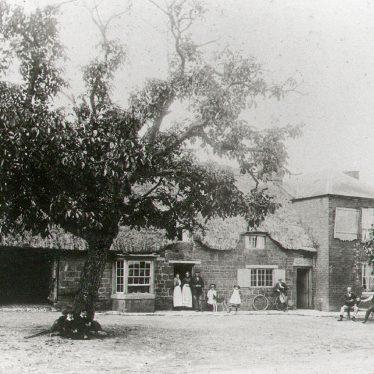 Ilmington.  Red Lion Inn