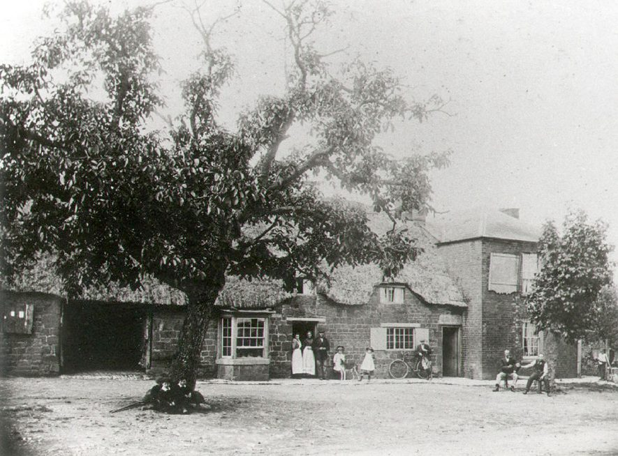 The Red Lion Inn, Ilmington.  1900 |  IMAGE LOCATION: (Warwickshire County Record Office)