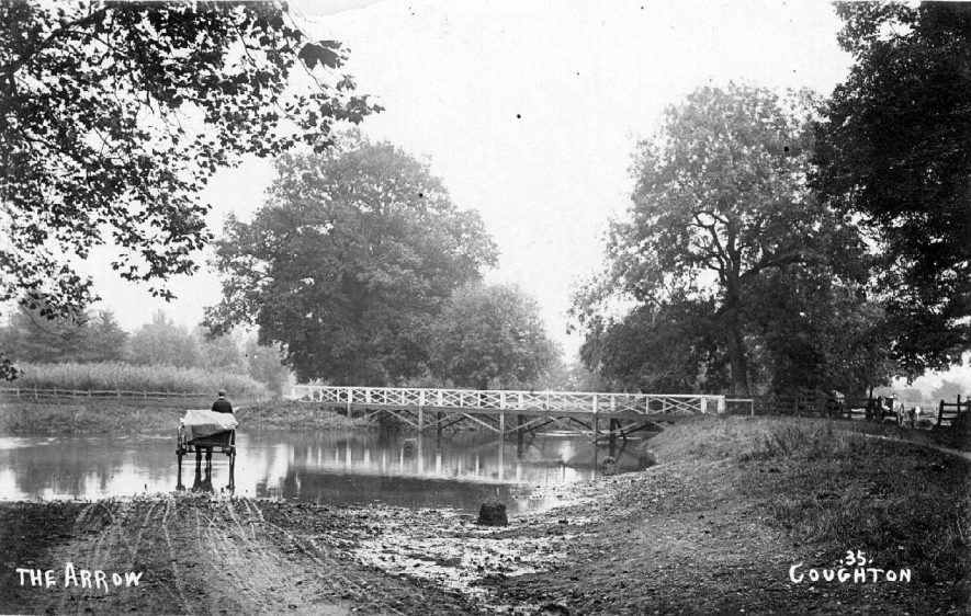 Horse and cart going through the ford at Coughton.  1900s |  IMAGE LOCATION: (Warwickshire County Record Office)
