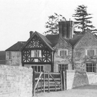 Haselor.  Manor Farm