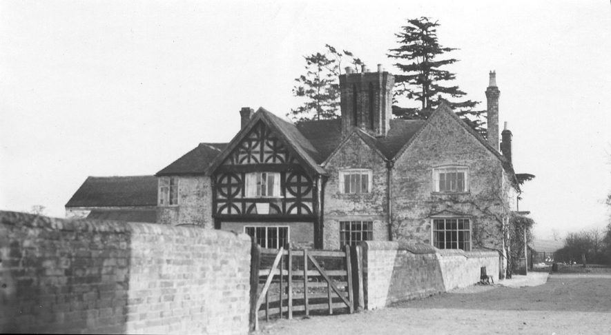 Manor Farm, Haselor.  1938 |  IMAGE LOCATION: (Warwickshire County Record Office)
