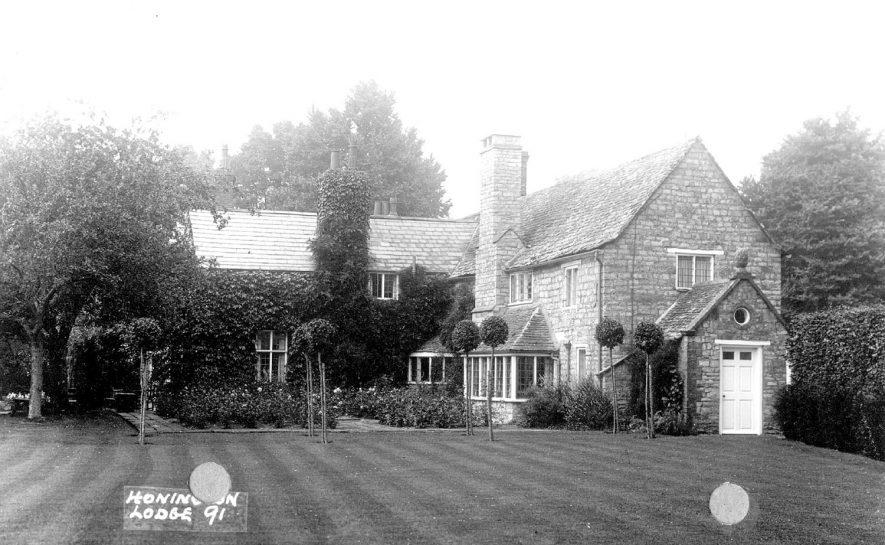 Honington Lodge.  1920s |  IMAGE LOCATION: (Warwickshire County Record Office)