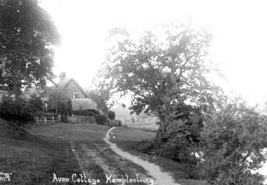 Avon Ford Cottage, Hampton Lucy.  1920s    IMAGE LOCATION: (Warwickshire County Record Office)