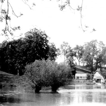 Hampton Lucy.  Floods