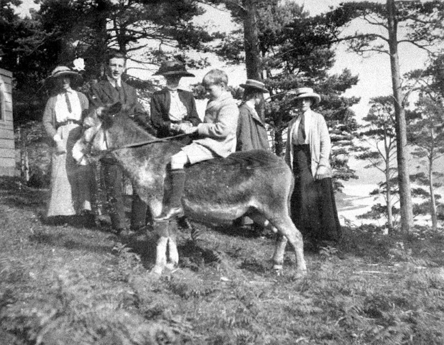 Fairfax-Lucy family and donkey at Maxton, Scotland, Hampton Lucy.  1900s |  IMAGE LOCATION: (Warwickshire County Record Office) PEOPLE IN PHOTO: Fairfax-Lucy