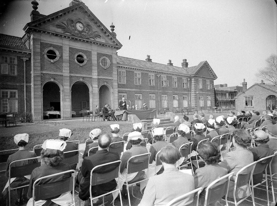King Edward VII Memorial Hospital, Hatton, the official opening. 1953[It has been suggested that 1955 is the correct date for this photograph.] |  IMAGE LOCATION: (Warwickshire County Record Office)