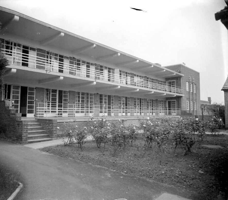 King Edward VII Memorial hospital, exterior of buildings.  1953    IMAGE LOCATION: (Warwickshire County Record Office)