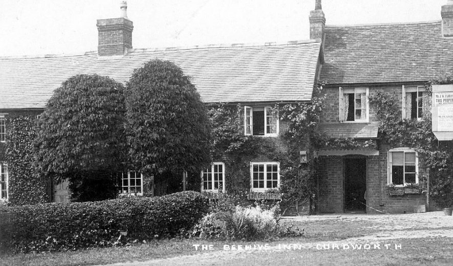 A view of the Beehive Inn, Curdworth.  1900s |  IMAGE LOCATION: (Warwickshire County Record Office)