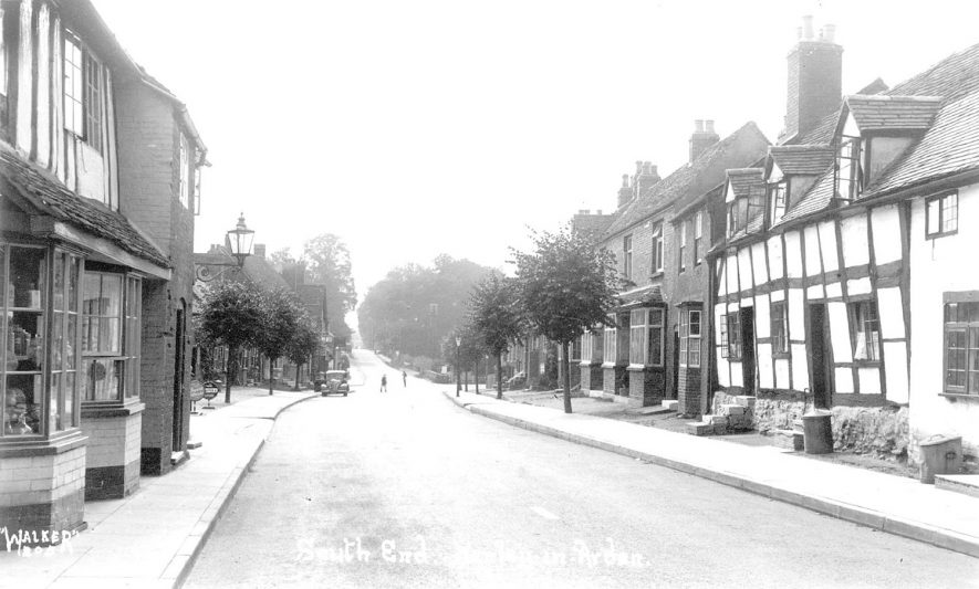 South End, Henley in Arden.  1920s |  IMAGE LOCATION: (Warwickshire County Record Office)