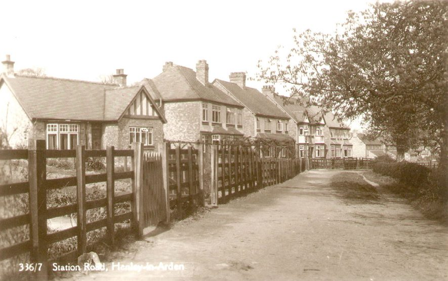 Houses in Station Road, Henley in Arden.  1910s [It has been suggested the photograph could around 1930 and not 1910.] |  IMAGE LOCATION: (Warwickshire County Record Office)