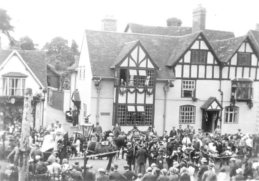 Procession probably May Day, Henley in Arden.  1910s |  IMAGE LOCATION: (Warwickshire County Record Office)