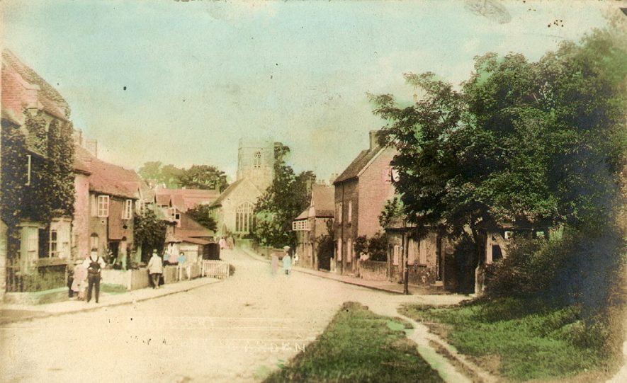 Henley in Arden, probably from Beaudesert.  1910s |  IMAGE LOCATION: (Warwickshire County Record Office)
