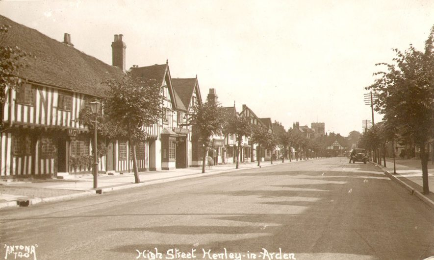 High Street, Henley in Arden.  1920s |  IMAGE LOCATION: (Warwickshire County Record Office)