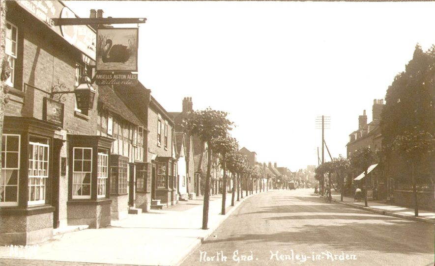 North End, Henley in Arden.  1920s |  IMAGE LOCATION: (Warwickshire County Record Office)