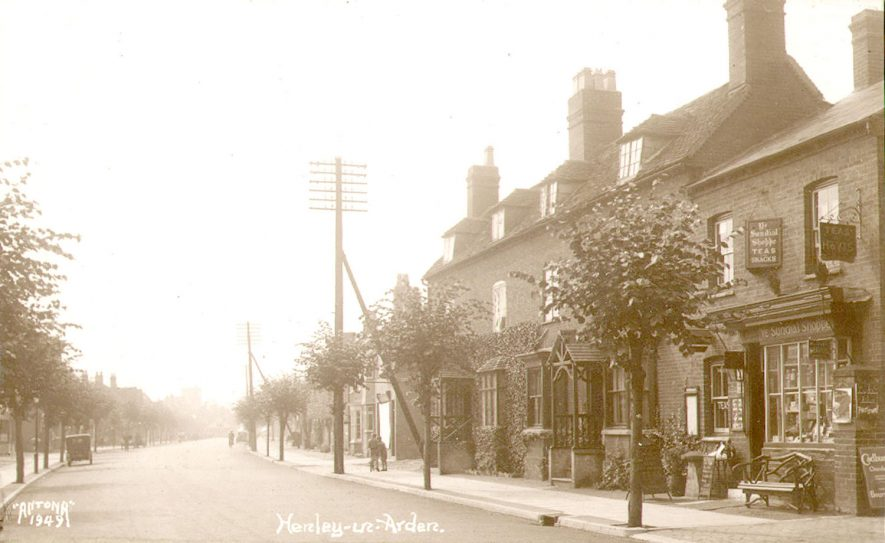 Street scene in Henley in Arden.  1920s |  IMAGE LOCATION: (Warwickshire County Record Office)
