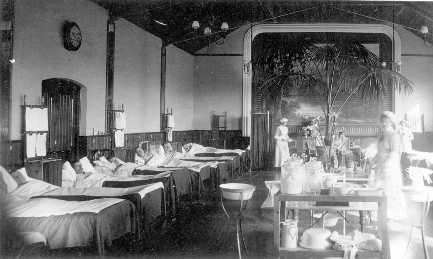 Henley in Arden a ward in the Red Cross Hospital.  1915 |  IMAGE LOCATION: (Warwickshire County Record Office)