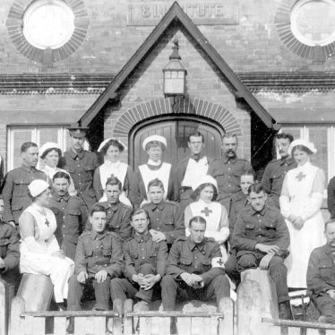 Henley in Arden.  Red Cross Hospital Nurses and R.A.M.C