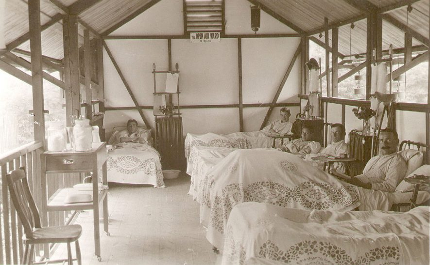 Henley in Arden Red Cross Hospital an open air ward.  1915 |  IMAGE LOCATION: (Warwickshire County Record Office)