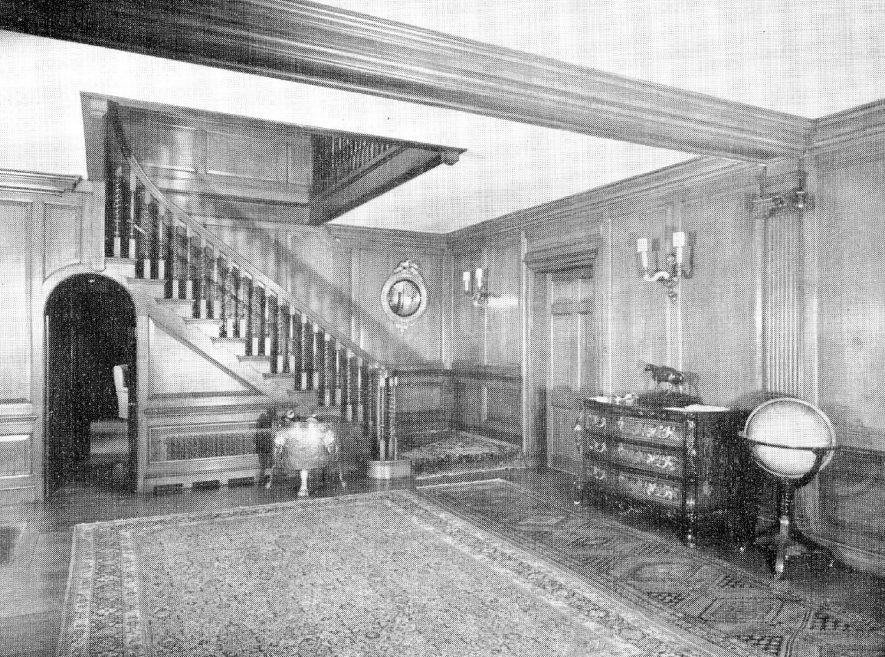 The entrance hall and staircase at Idlicote House.  1952 |  IMAGE LOCATION: (Warwickshire County Record Office)