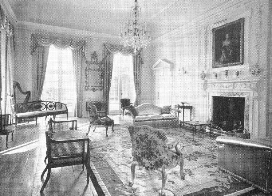 Idlicote House Drawing Room.  1952 |  IMAGE LOCATION: (Warwickshire County Record Office)
