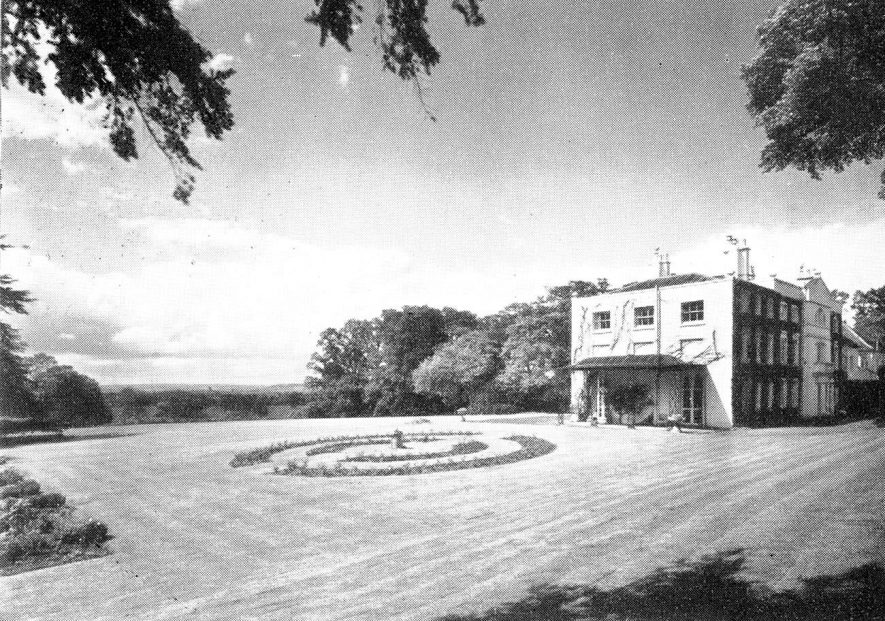 Idlicote Hall house and garden.  1952 |  IMAGE LOCATION: (Warwickshire County Record Office)