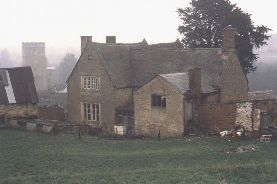 Hill Farm house and St Mary's church, Ilmington.  1987    IMAGE LOCATION: (Warwickshire County Record Office)