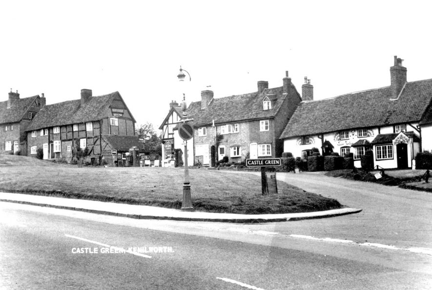 Castle Green, Kenilworth.  1950s    IMAGE LOCATION: (Warwickshire County Record Office)