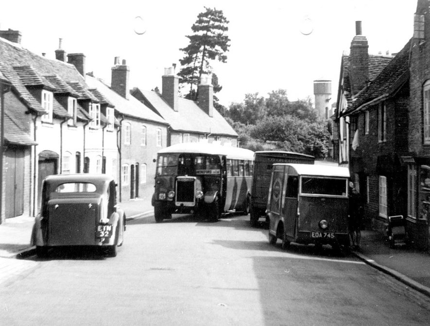New Street, Kenilworth.  1949 |  IMAGE LOCATION: (Warwickshire County Record Office)