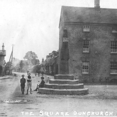 Dunchurch.  Square