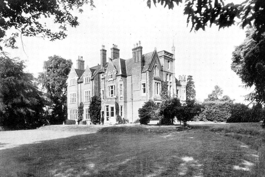 A large country house and grounds, known as Rouncil Towers, Kenilworth.  1945 [We have been requested to add the following note :-