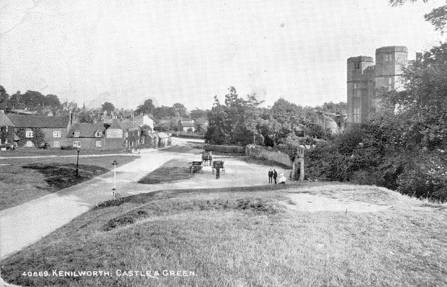 Kenilworth Castle gatehouse and Castle Green.  1920 |  IMAGE LOCATION: (Warwickshire County Record Office)